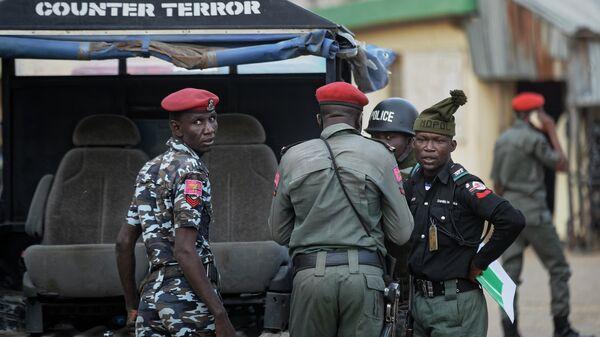 Военные и полиция Нигерии