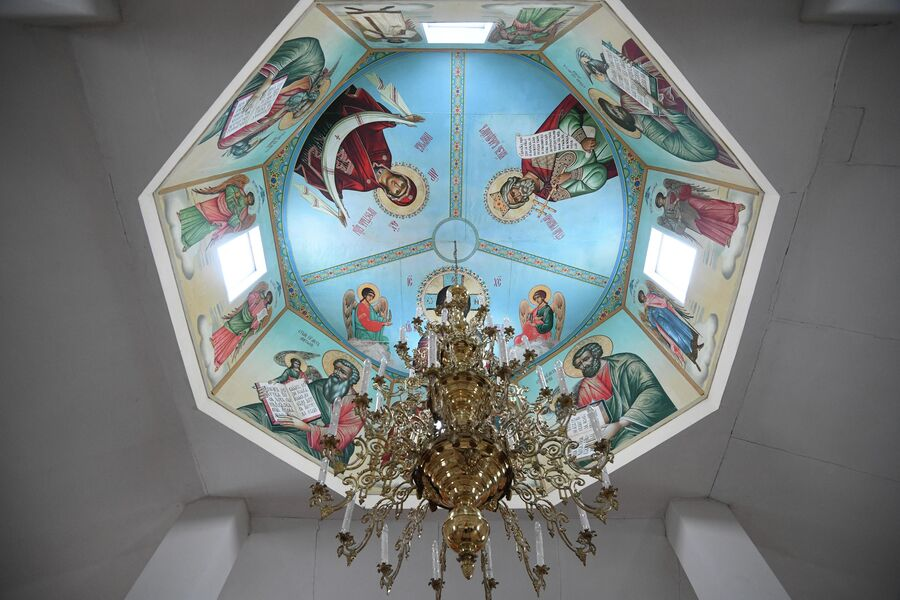 Купол православного храма в деревне Аполлоновка