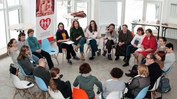 Фонд Найди семью открывает службу поддержки приемных семей