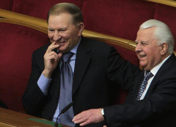 Экс-президенты Украины Леонид Кучма и Леонид Кравчук на заседании Верховной рады
