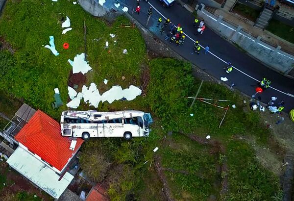 Туристический автобус, который разбился 17 апреля 2019 года в Канико, на португальском острове Мадейра