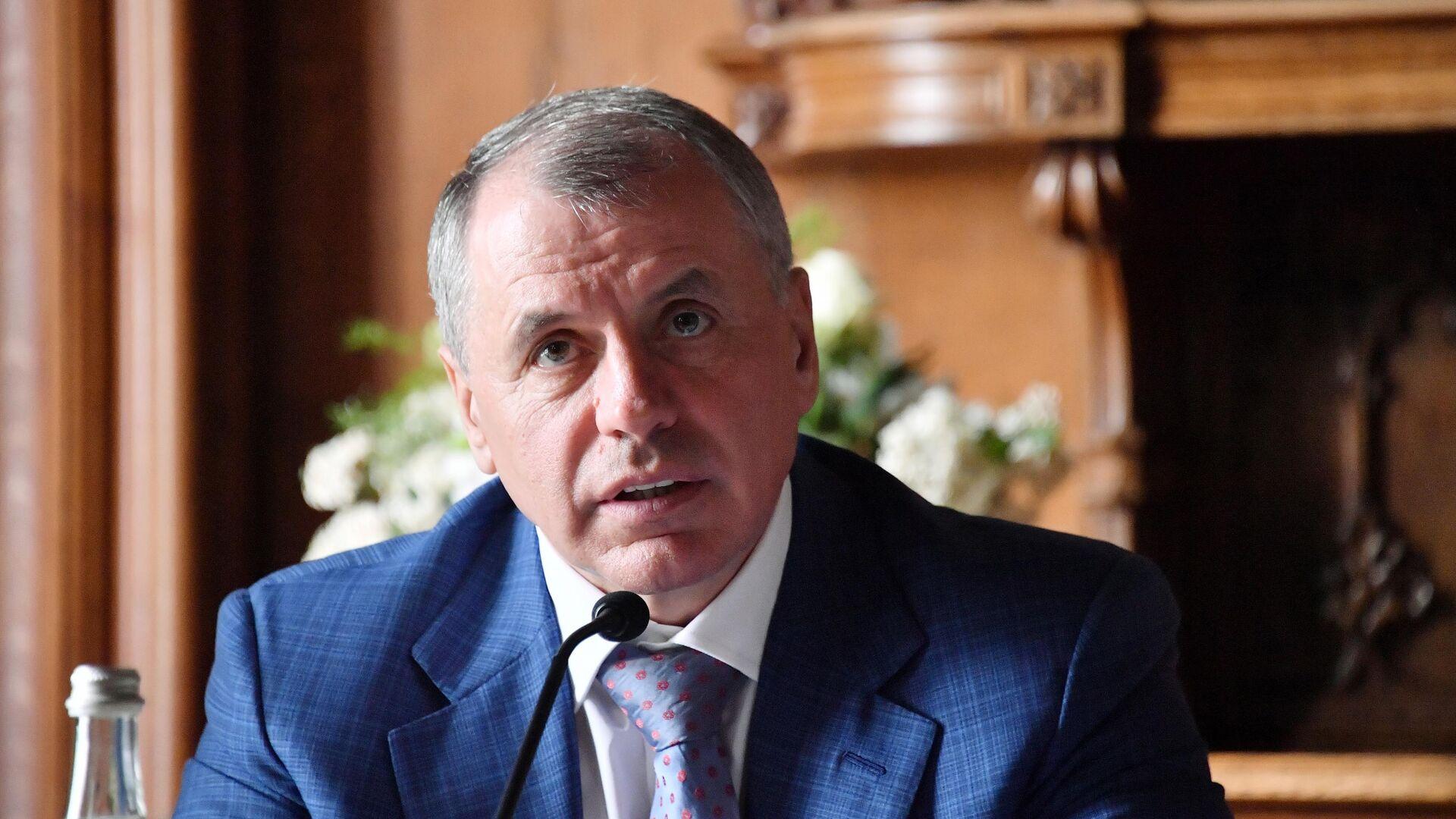 Госдума объявила аукцион на поставку смартфонов по 13 тысяч рублей