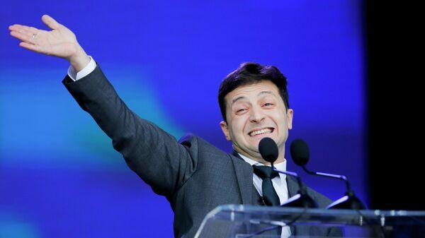 Кандидат в президенты Украины Владимир Зеленский во время дебатов в НСК Олимпийский в Киеве. 19 апреля 2019