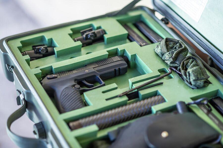 Кейс с комплектующими пистолета Удава