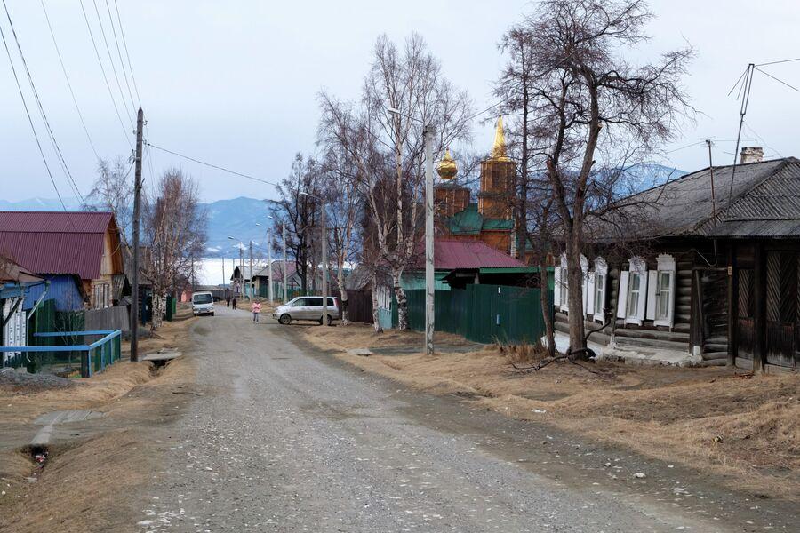 Одна из улиц поселка Култук