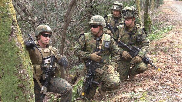 Американские морские пехотинцы во время учений
