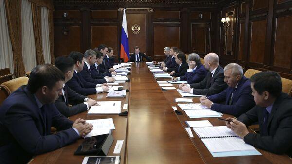 Председатель правительства РФ Дмитрий Медведев проводит заседание правительственной комиссии по импортозамещению. 24 апреля 2019