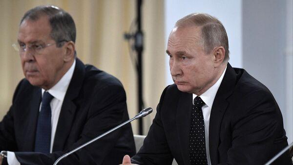Президент РФ Владимир Путин встретился с лидером КНДР Ким Чен Ыном. 25 апреля 2019