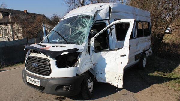 ДТП с участием микроавтобуса в Тверской области. 25 апреля 2019