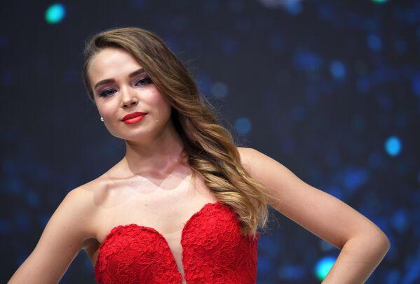 Бортпроводница Аэрофлота Дарья Баранова во время конкурса красоты Sky Lady 2019 в Москве