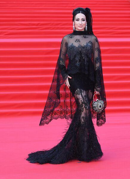 Индийская актриса Сонакши Синха во время церемонии закрытия 41-го ММКФ в Москве