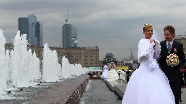 Россияне стали меньше жениться и реже разводиться