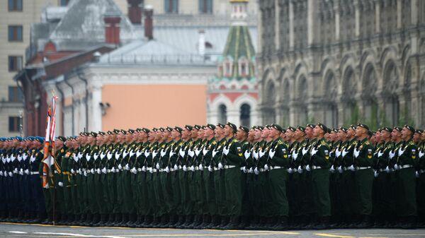 Военнослужащие на военном параде на Красной площади, посвящённом 74-й годовщине Победы в Великой Отечественной войне