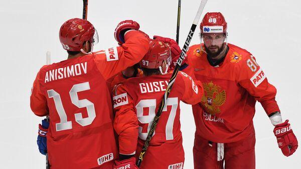 Хоккеисты сборной России Артём Анисимов, Никита Гусев и игрок сборной России Никита Кучеров