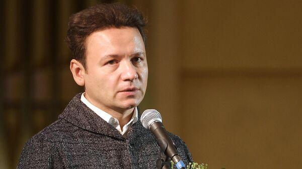Актер Александр Олешко на церемонии прощания с композитором Евгением Крылатовым