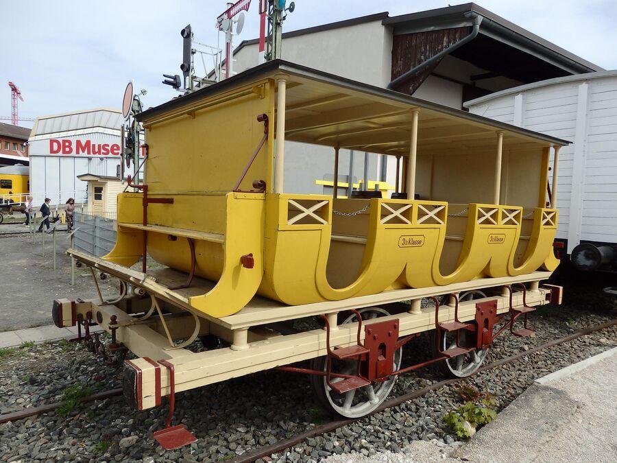 Нюрнберг. Музей железных дорог. Вагон первого поезда