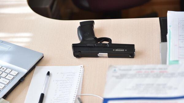 Пневматический пистолет, изъятый у школьника в Казани