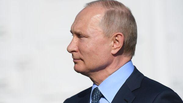 Кремль в понедельник может озвучить данные о нарушителях поручений Путина