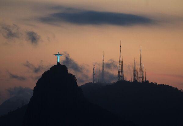 Виды Рио-де-Жанейро со смотровой площадки на горе Сахарная голова