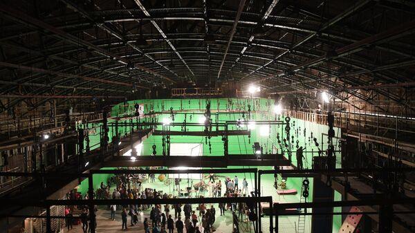 Павильон киностудии Ленфильм, в котором проходило шоу каскадеров во время акции Ночь музеев в Санкт-Петербурге