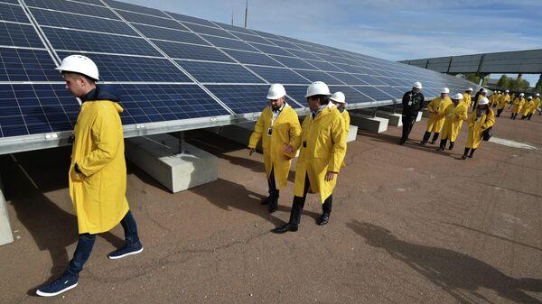 Солнечные панели у четвертого блока АЭС в Чернобыле. 5 октября 2018