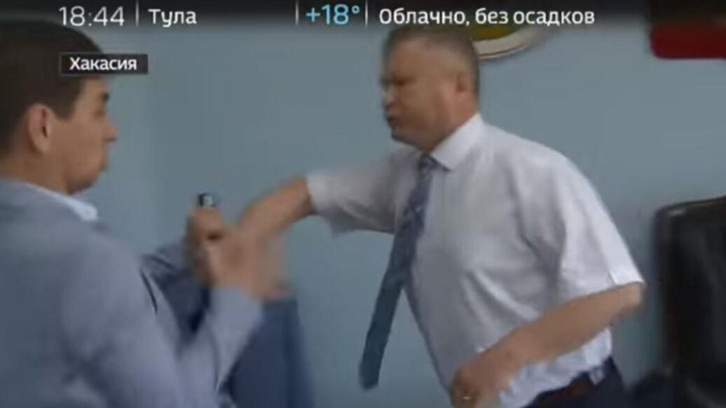 В Хакасии начали проверку инцидента с нападением чиновника на журналиста