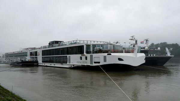 Туристическое судно Viking Sigyn, с которым столкнулся катер с южнокорейскими туристами на реке Дунай в Будапеште, Венгрия