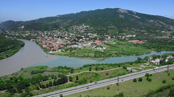 Окрестности города Мцхета. Место слияния рек Кура и Арагви