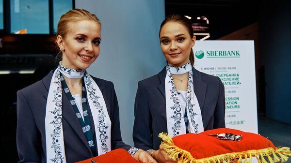 На церемонии открытия Никольской улицы в галерее выставочного комплекса Росконгресс в рамках Петербургского международного экономического форума 2019 (ПМЭФ-2019)