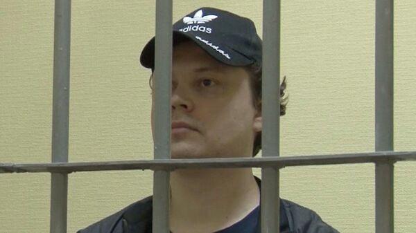 Константин Давыденко, обвиняемый в шпионаже в пользу СБУ, в здании Верховного суда Республики Крым