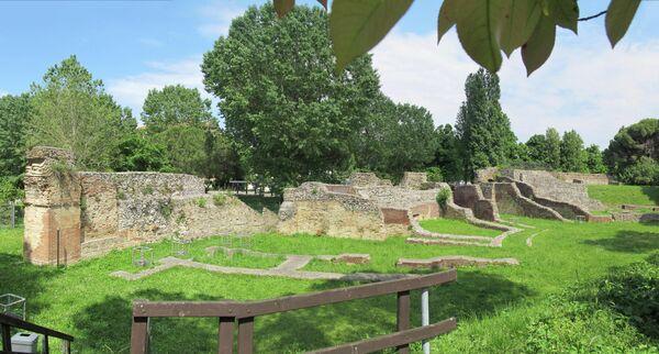 Римский амфитеатр в Римини