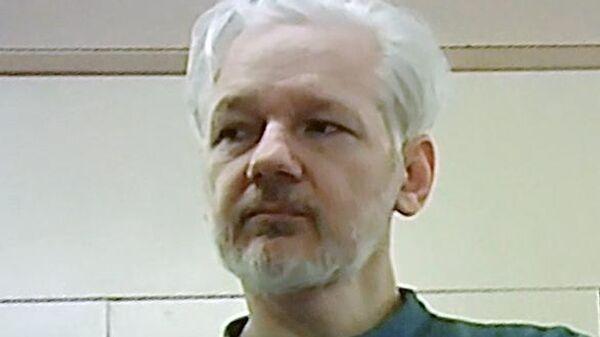 Основатель WikiLeaks Джулиан Ассанж в тюрьме Белмарш в Лондоне