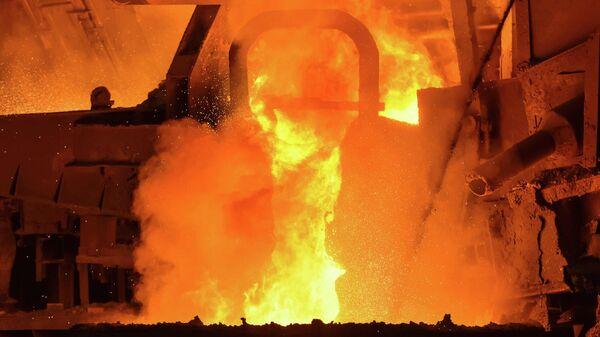 Металлургические печи в процессе плавки металлов