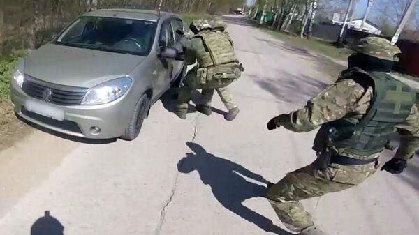 ФСБ России пресекла деятельность преступной группы по производству и сбыту особо крупных партий синтетических наркотических средств на территории Калужской области. 13 июня 2019