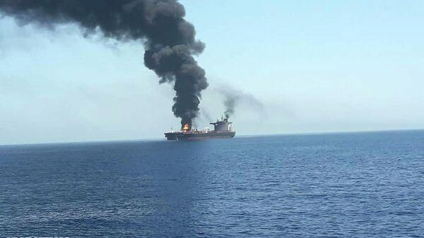 Пожар на одном из атакованных в Оманском заливе танкеров. 13 июня 2019