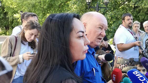 Татьяна Стукалова (слева)
