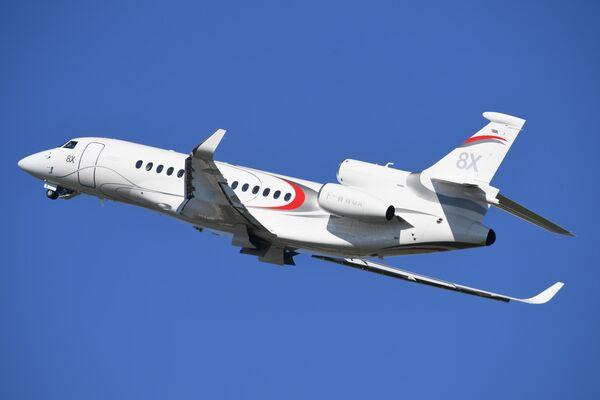 Реактивный самолёт бизнес-класса. Выпускается компанией Dassault Aviation, сконструирован на базе Falcon 900 совершает полет на международном аэрокосмическом салоне Paris Air Show 2019 во Франции