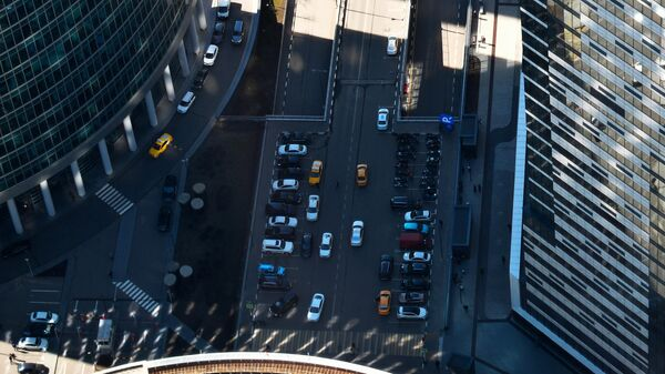 Вид на парковку со смотровой площадки