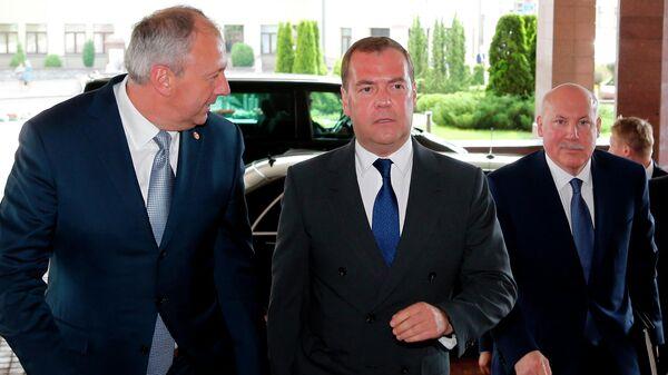Председатель правительства РФ Дмитрий Медведев и премьер-министр Белоруссии Сергей Румас во время встречи в Минске. 21 июня 2019