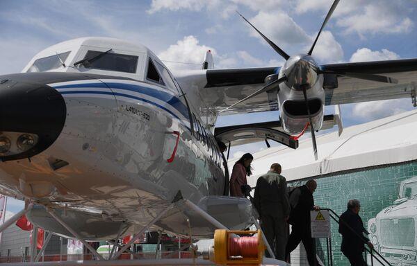 Многоцелевой двухмоторный самолёт Let L-410 Turbolet на Международном военно-техническом форуме Армия-2019
