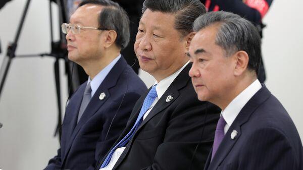Председатель КНР Си Цзиньпин на встрече лидеров России, Индии и Китая на полях саммита Группы двадцати в Осаке. 28 июня 2019