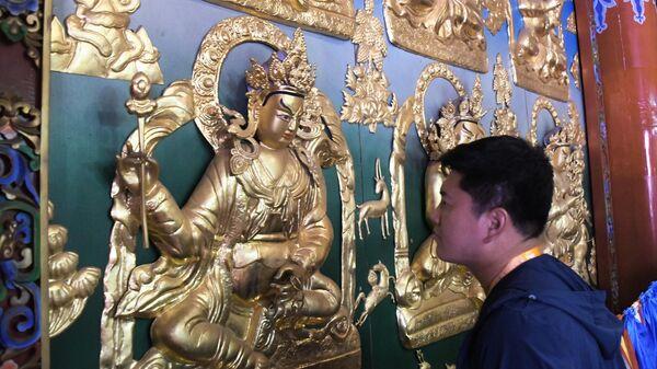 Украшения храма монастыря Да Чжао в Хух-Хото в Автономном районе Внутренняя Монголия в Китае