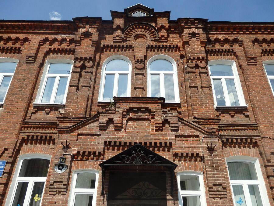 Здание женской гимназии. Гороховец