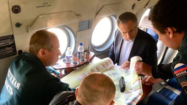 Вице-премьер РФ Виталий Мутко во время поездки в Иркутскую область