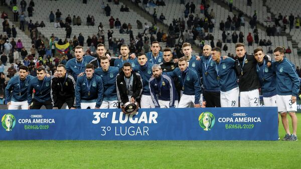 Футболисты сборной Аргентины после завоевания бронзы на Кубке Америки