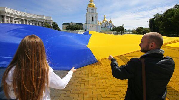 Флаг Украины в центре Киева