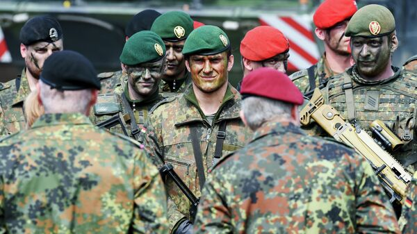 Солдаты армии Бундесвера на практике Объединённой оперативной группы повышенной готовности НАТО в Мюнстере, Германия