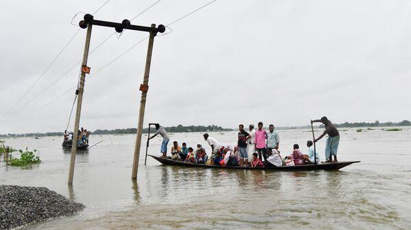 Последствия наводнения на северо-востоке Индии. 11 июля 2019