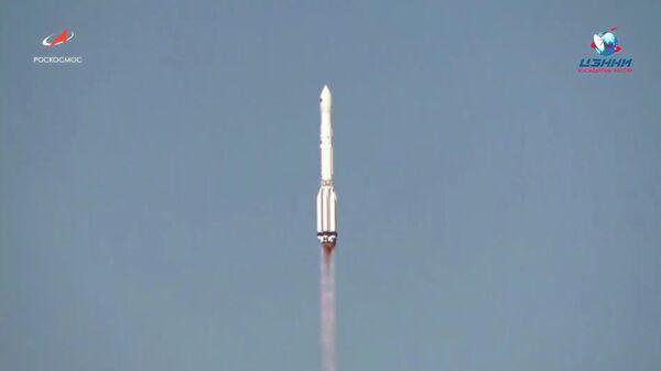 Запуск ракеты-носителя Протон-М с разгонным блоком ДМ-03 и астрофизической космической обсерваторией Спектр-РГ с космодрома Байконур. 13 июля 2019