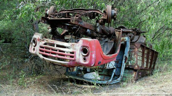 Радиоактивные остатки грузовика В Чернобыльской зоне отчуждения